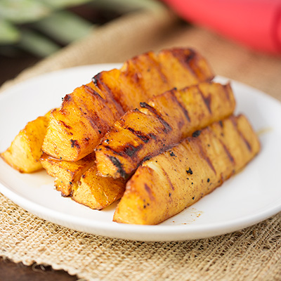how to cut pineapple wedges