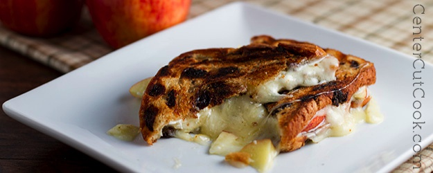 Creamy Havarti and Sliced Apple Sandwiches