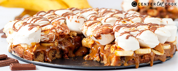 Banoffee S'mores Pizza