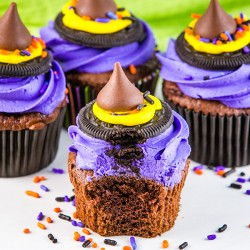 Halloween Treat: Witch Hat Cupcakes
