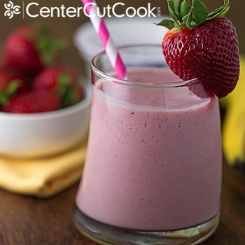 Berry banana yogurt smoothie 2