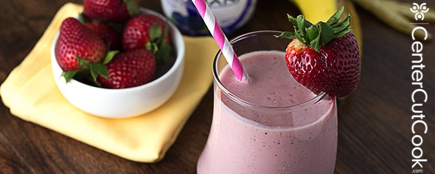Berry Banana Greek Yogurt Smoothie