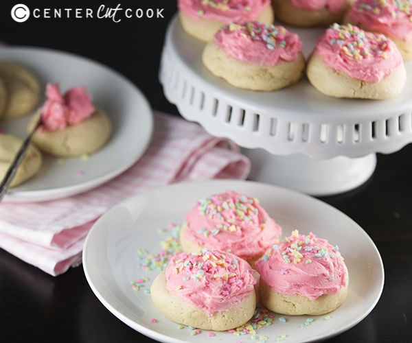 Is there anything better than a super soft sugar cookie with homemade ...