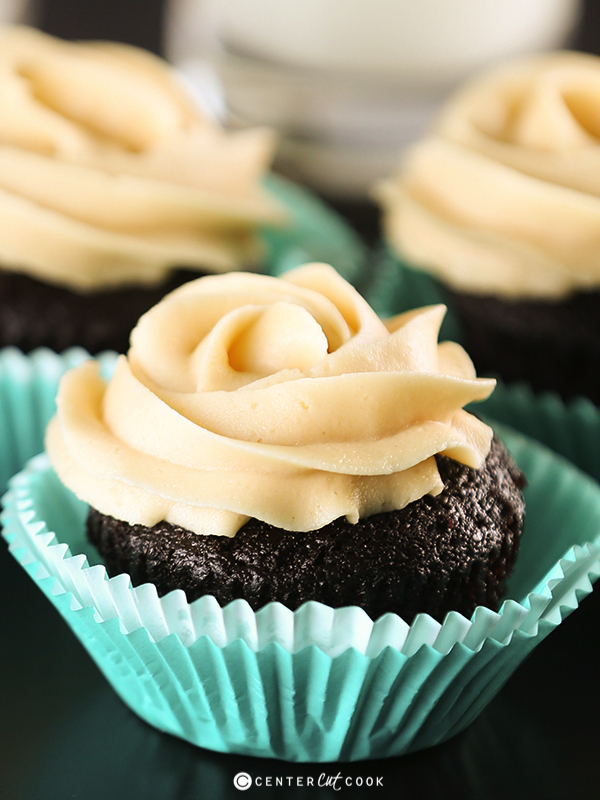 Chocolate peanut butter cupcakes 4