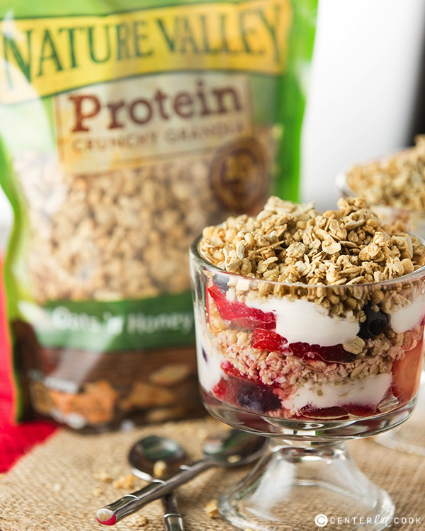 Fruit yogurt granola parfait 4