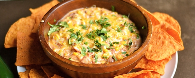 Instant Pot Cheesy Southwest Corn & Bacon Dip