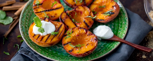 Cinnamon Grilled Peaches with Cinnamon Caramel Sauce