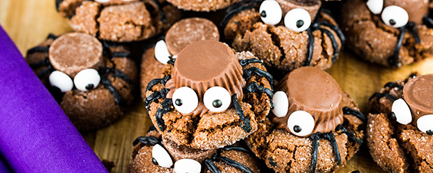 easy halloween spider cookies 1