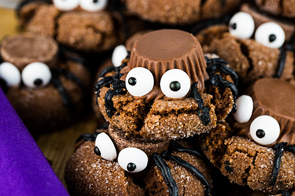 easy halloween spider cookies 5