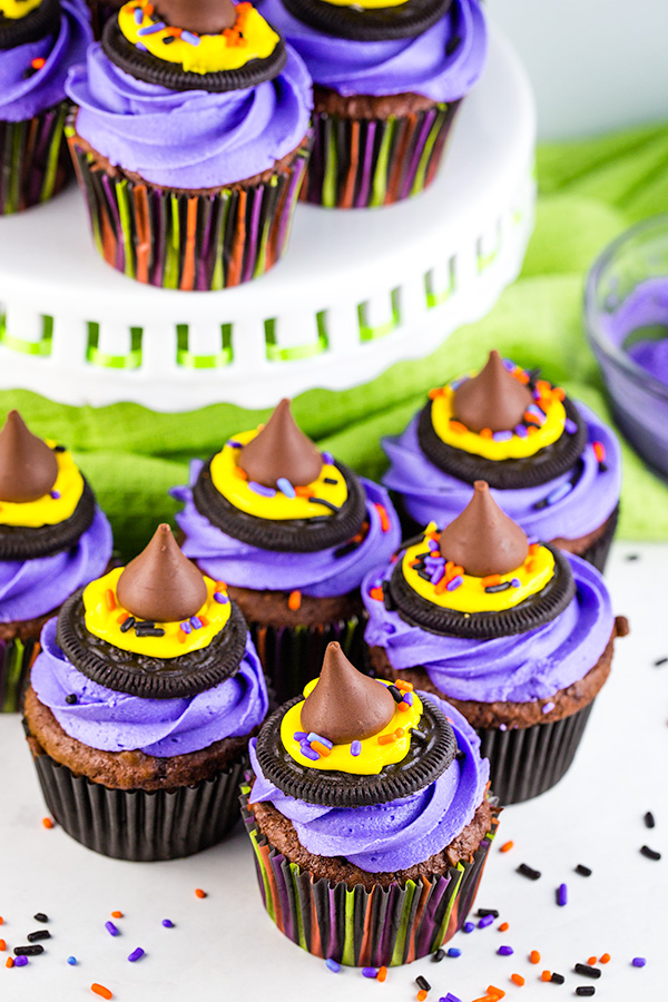 halloween treat: witch hat cupcakes 3