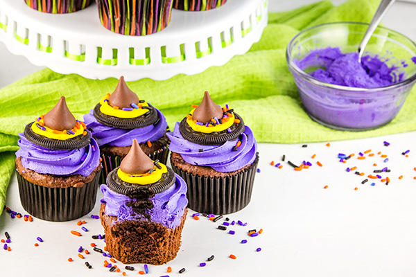 halloween treat: witch hat cupcakes 4